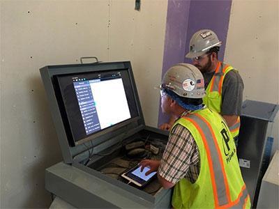 VDC Men Working